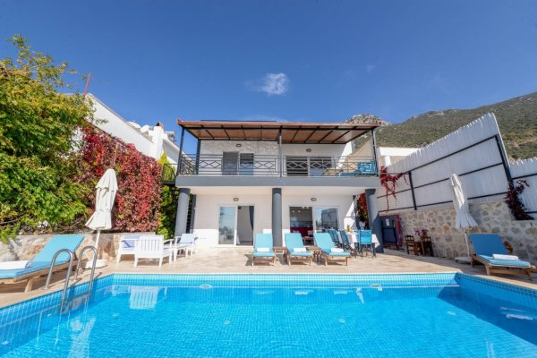 Villa Menekşe