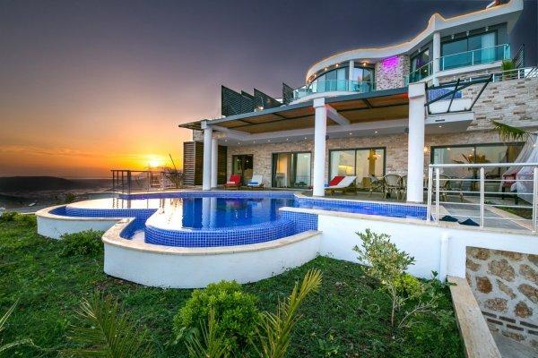 Villa Stoneheart